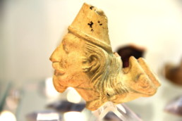 pipa in terracotta a forma di testa di turco